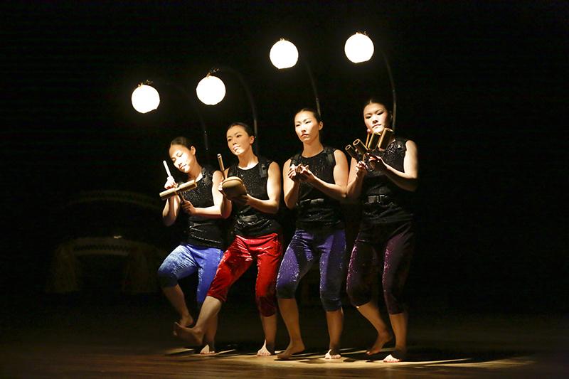 Chit Chat (From left: Maya Minowa, Mariko Omi, Eri Uchida, Akiko Ando)